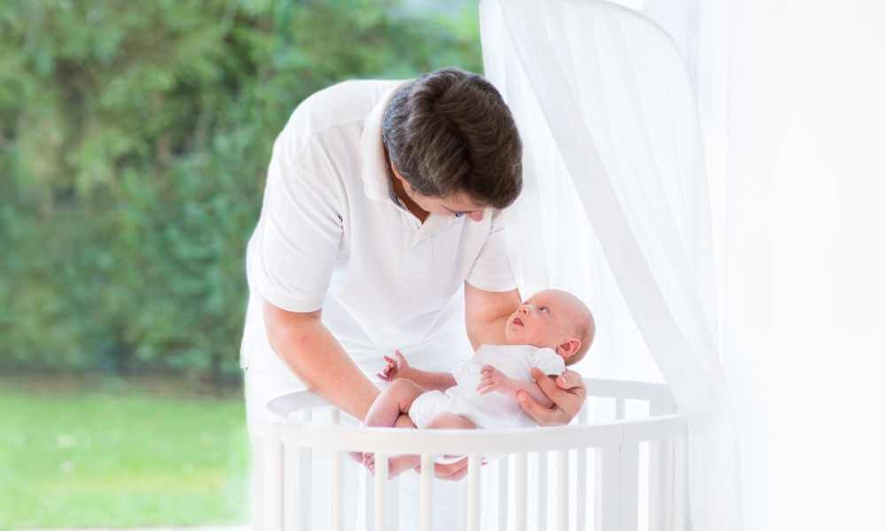 How It's Done Making the move from a bassinet to a crib can be really easy for some parents and much harder for others. Letting your baby get used to their crib before moving them permanently can help the transition. Here are three other tips that can help: